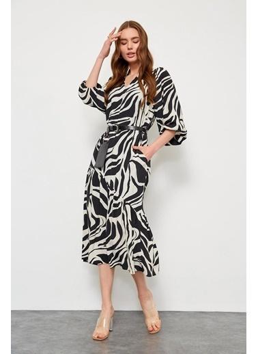 Setre Siyah-Beyaz Kemerli Zebra Desen Elbise Siyah